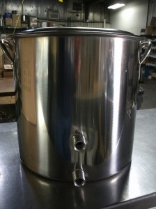 Two Weld 8 Gallon (32 qt) Stainless Steel Pot