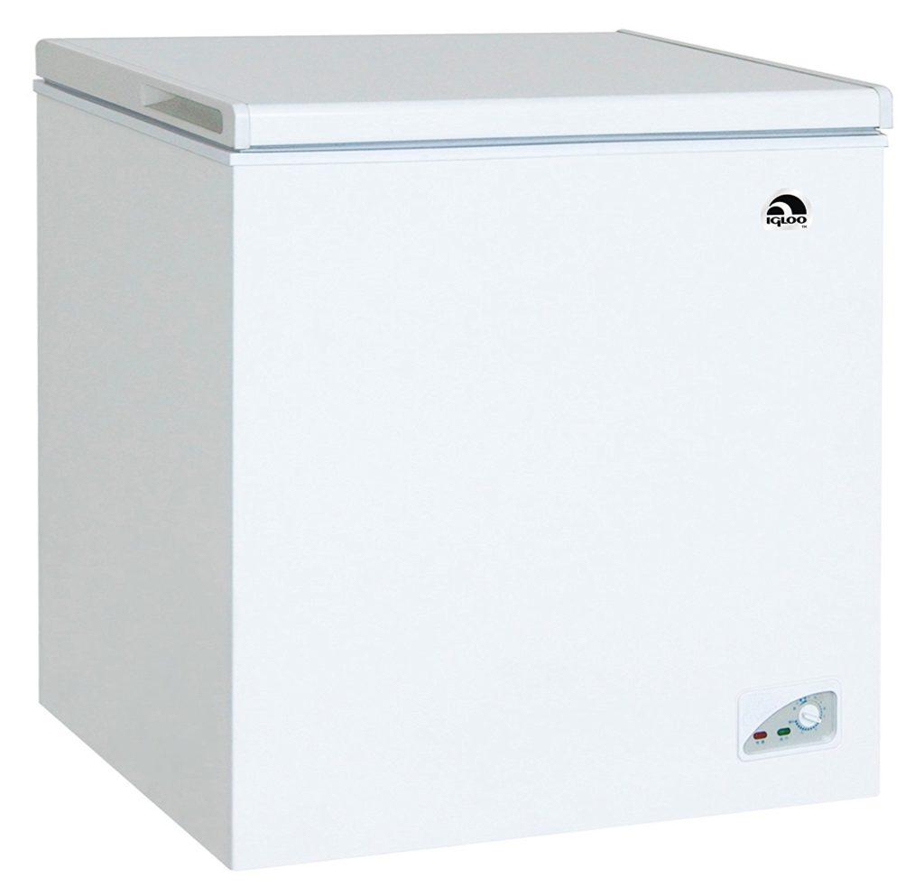 Igloo FRF472 Chest Freezer, 7.1 Cubic Feet, White